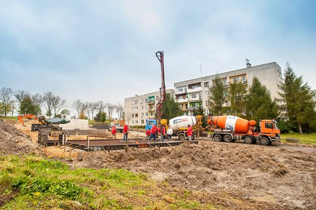 Zabudowa szeregowa - osiedle domków w Chojnowie, ul. Andersa